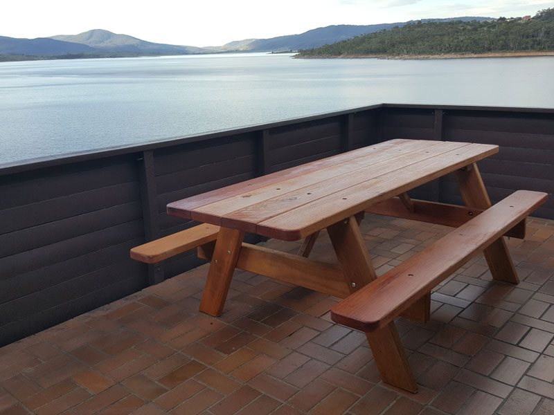 Hardwood picnic table at Jindayne